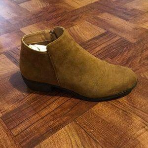🧨Lalo Shoetique Brown ankle bootie💰